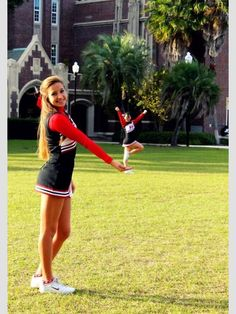 Best friend idea Pose Not just for cheerleaders