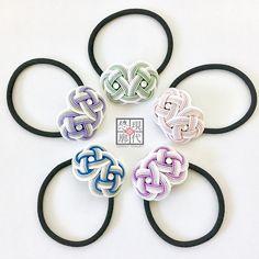 """・ 「水引ヘアゴム」 冬の新色ができました☆ ・ こちらは彩シリーズ。 雪化粧した5色の花弁をイメージしました。 ・ These hair accessories are made of Mizuhiki. The new color of winter of """"Sai"""" series! ・ こちらは11月26-27日のデザインフェスタにて販売いたします! ・ #現代悠廓 #デザフェス #デザフェス44 #ハンドメイド #和 #水引 #ヘアゴム #ヘアアクセサリー #アクセサリー #和装 #髪飾り #新色 #彩シリーズ #ツクラボ #gendaiyukaku #designfesta #handmade #mizuhiki #hairaccessory #accessories #japanes #japanesestyle #newcolor"""