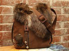Recycled fur and leather handbag handmade. Fur Purse, Fur Bag, Leather Gifts, Leather Bags Handmade, Leather Purses, Leather Handbags, Fur Accessories, Mode Blog, Handmade Handbags