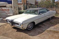 Pour ce samedi sur #BonjourLaVieille, une #Pontiac #Bonneville Pontiac Bonneville, Old Cars, Trucks, Vehicles, Vintage Cars, Collector Cars, Other, Truck, Car