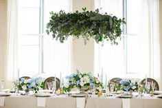 Greenery (non-floral) wedding decor is very trendy now, besides being fresh and modern, it saves your budget. We've already shared some ideas on greenery . Floral Wedding Decorations, Wedding Centerpieces, Wedding Flowers, Table Decorations, Green Wedding, Fall Wedding, Flower Decoration, Ceremony Decorations, Wedding Shoot