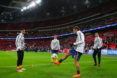 Claudio Marchisio of Juventus juggles the ball the ball during the warm up prior to the UEFA Champions League Round of 16 Second Leg match between Tottenham Hotspur and Juventus at Wembley Stadium on March 7, 2018 in London, United Kingdom. - 21 of 110