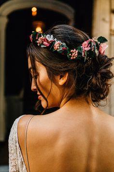 Wreaths of flowers Source by kraftille Wedding Bun, Boho Wedding Hair, Elegant Wedding Hair, Wedding Looks, Bridal Hair, Wedding Jewelry, Wedding Dress, Bridesmaid Saree, Floral Headdress