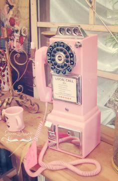 Pink vintage phone.