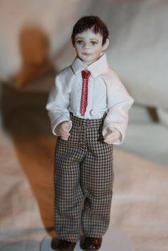 Child Doll, Baby Dolls, Miniature Dolls, Selling On Ebay, Crochet Clothes, Hand Crochet, 5 Ways, Dollhouse Miniatures, Doll Clothes