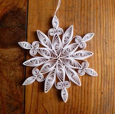 Eco-friendly white quilled snowflake