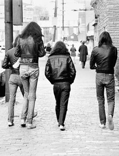 "vaticanrust: ""The Ramones. Photo by Danny Fields. Joey Ramone, Eddie Vedder, Pearl Jam, Punk Rock, Rock N Roll, Historia Do Rock, Rock News, Gabba Gabba, The Black Keys"