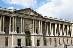 East wing, Louvre, Paris    18C 신 고전주의 특징    1) 독립 원형기둥(바로크 건축의 기본구조는 벽체 구조)    2) 고전어휘의 고고학적 정확성에 치중(장식억제,로마 고전주의 표준형식 부활)