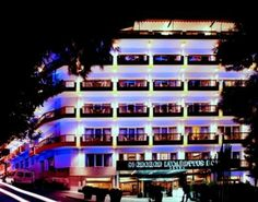 Hotel Exterior at 5 star hotel: St George Lycabettus Hotel. This hotel's address is: Kleomenous 2 Lycabettus - Kolonaki Athens 10675 and have 154 rooms Santorini Palace, Luxe Boutique, Greece Hotels, Athens Greece, 5 Star Hotels, Hotel Reviews, Mykonos, Tourism, Europe