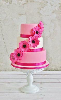 Pretty in pink - Cake by Tamara