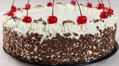 Tort padurea neagra pas cu pas | JamilaCuisine Russian Cakes, Romanian Food, Romanian Recipes, Black Forest Cake, Foods To Eat, Savoury Dishes, Dessert Recipes, Desserts, Something Sweet