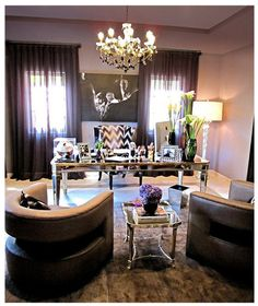 Wonder if Justin would mind if I convert one of the rooms in our new house into this girly and fabulous office,,,