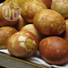 Met uienschil gekleurde eieren @ allrecipes.nl