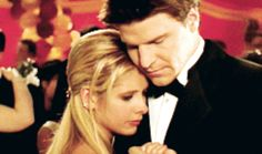 """Angel and Buffy forever.   Sarah Michelle Gellar's Tweet To David Boreanaz Is Everything For """"Buffy"""" Fans"""