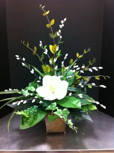 Magnolia arrangement SBA 2014