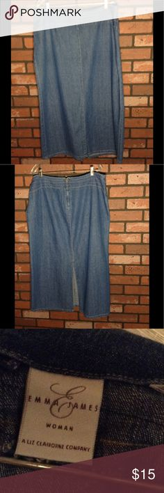 Denim skirt A wardrobe staple that can be worn year round. EUC Emma James Skirts Midi