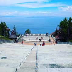 """Simalem Resort the pearl of Lake Toba #theater #simalem #resort #lake #toba #tobalake #laketoba #sumatra #indonesia #hill #volcaniclake #prapat #siantar…"""