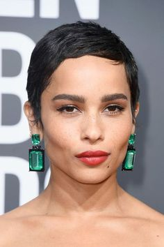 Zoe Kravitz Pixie - Zoe Kravitz worked a close-cropped pixie at the 2018 Golden Globes.