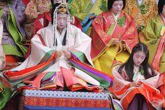 Women and girls dressed in junihitoe