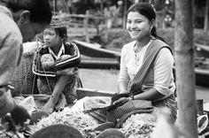 Floating market - lake inle, myanmar (burma).