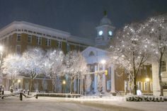 Chambersburg Square during a snow storm