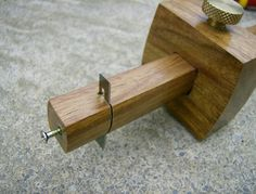 Strap cutter
