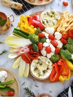 Camembert Cheese Fondue Board - quick and easy baked recipe for a lighter winter fondue that is perfect as a sharing appetizer or a dinner party! Cooking Camembert, Baked Camembert, Camembert Cheese, Chutney, Fondue Recipes, Party Recipes, Raw Vegetables, Veggies, Dinner Party Menu