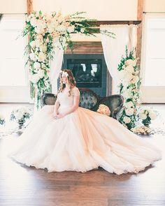Romantic wedding dress | Rachel May Photography | see more on: http://burnettsboards.com/2014/06/rustic-elegance-beauty-anthomanic-workshop/ #weddingdress
