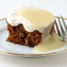 GINGERBREAD CAKE WITH CREAM CHEESE FROSTING - LOW CALORIE - RECIPE - momndaughtersavin... #low #calorie #recipes