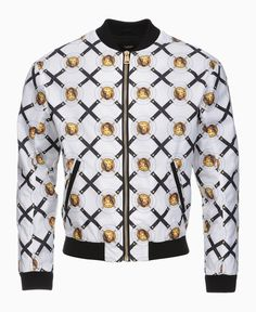 Stand out in style with Versus Versace's eye-catching bomber jacket. Adorned with an all-over brand print and finished with ribbed trims, this contemporary design is perfect for those who are looking to make a bold statement during the seasons ahead. Team with a crew neck t-shirt, jeans and trainers to create an outfit.