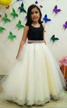 Pretty White Tulle Ball Gown Flower Girl Dresses Hot Sale Vestido De  Daminha Long Girls Pageant Dress First Communion Dress 67ee5a226577