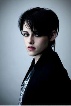 Kristen Stewart short black hair #kristenstewart #hair #style