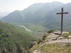#Maggia - Croce sull'Alpe Marena | Kreuz auf der Alpe Marena | Cross on the Marena Alp #Vallemaggia #Tessin #Ticino
