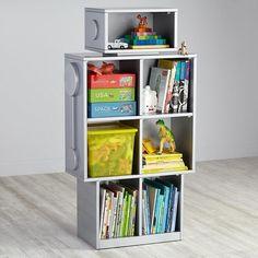 Deep in the laboratories of Nod, our resident scientist created a robot bookcase capable of amazing things. Roboter Geek Bücherregal in Grau. Robot Bedroom, Robot Nursery, Kids Bedroom, Kids Rooms, Boy Bedrooms, Crate Bookshelf, Kids Bookcase, Bookshelves, Bookshelf Ideas
