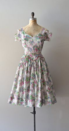 1940s dress with cut-out sleeves