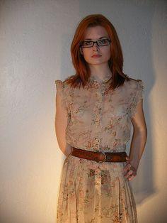 vintage-y 80s dress, with belt.