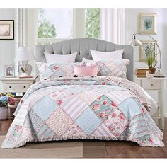 DaDa Bedding Hint of Mint Floral Pastel Cotton Patchwork Ruffle Bedspread Set Ruffle Bedspread, Ruffle Quilt, Rag Quilt, Quilted Bedspreads, Quilt Sets, My New Room, Bed Spreads, Luxury Bedding, Modern Bedding