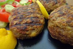 Mπιφτέκια!! Η καλύτερη συνταγή δική μου, για αφράτα  ζουμερά !!! ~ ΜΑΓΕΙΡΙΚΗ ΚΑΙ ΣΥΝΤΑΓΕΣ Baked Potato, Salads, Recipies, Food And Drink, Potatoes, Beef, Meals, Baking, Ethnic Recipes