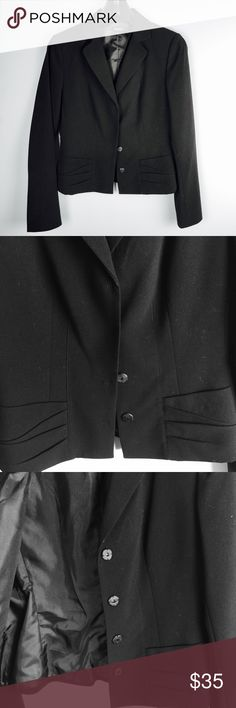 """Tahari Women's Blazer Black Sz. 2 NWOT Tahari Blazer Black women's • Pit to pit approx 17"""", total length 21.5"""" , sleeve length 24.5""""• super cute with details in the front pockets and back• perfect to complete a chick outfit • Thanks for looking• fast shipping 💋 Tahari Jackets & Coats Blazers"""