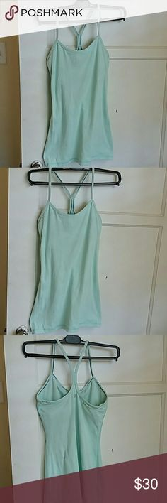Lululemon athletica Nice women top perfect for workout lululemon athletica Tops