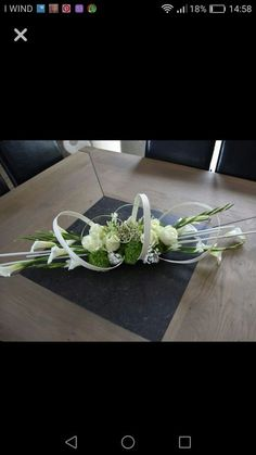 Contemporary Flower Arrangements, Creative Flower Arrangements, Flower Arrangement Designs, Flower Centerpieces, Flower Decorations, Flower Designs, Church Flowers, Funeral Flowers, Wedding Flowers