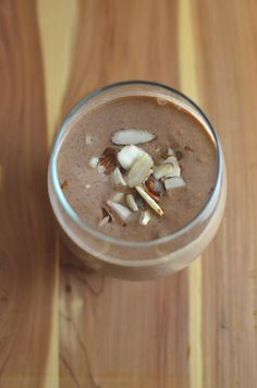 Healthy Chocolate Almond Smoothie by sugarandgrace #Smoothie #Choclate #Almond #Healthy