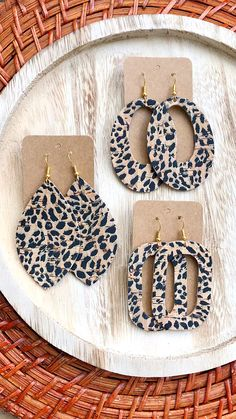 Spotted Cheetah Cork Leather Earrings Lightweight Cheetah Leather Earrings: New Fall Arrival Diy Clay Earrings, Diy Leather Earrings, Wooden Earrings, Polymer Clay Jewelry, Feather Earrings, Jewelry Crafts, Handmade Jewelry, Handmade Bracelets, Vintage Jewelry