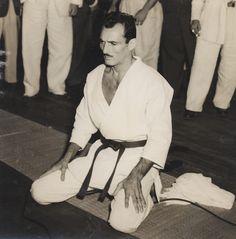 Helio Gracie. Co-founder of Brazilian jiu-jitsu, 10th degree red belt, grand master.