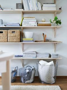 I want shelves with storage boxes like that Home Interior, Interior Architecture, Interior Decorating, Room Inspiration, Interior Inspiration, Ikea Algot, Shelves In Bedroom, Compact Living, Beautiful Interior Design