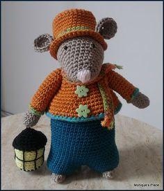Samuel Crochet Mouse, Crochet Teddy, Crochet Books, Cute Crochet, Crochet For Kids, Crochet Baby, Amigurumi Patterns, Crochet Patterns, Crochet Ideas