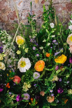 Meadow Flowers Meadowscape Arrangement Wild Colourful Poppy Poppies Playful Cool Wedding Ideas Sophie Lake Photography #MeadowFlowers #Flowers #Meadowscape #FlowerArrangement #WildFlowers #Colourful #Poppy #Poppies #WeddingFlowers #Wedding