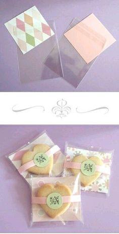 Mira todos los hermosos regalos que puedes hacer usando pequeñas bolsas de celofán o papel. Dales un toque original empacando caramelos o g...