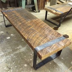 Reclaimed Barn-Wood Bench with Riveted Iron Legs によく似た商品を Etsy で探す Barn Wood Crafts, Reclaimed Wood Projects, Reclaimed Barn Wood, Wooden Barn, Steel Furniture, Custom Furniture, Furniture Design, Vintage Industrial Furniture, Woodworking Bench