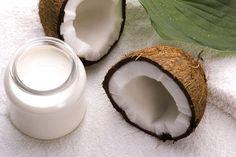 Shampoo Riequilibrante Fai Da Te con Latte di Cocco e Aloe Vera >>> http://www.piuvivi.com/bellezza/shampoo-riequilibrare-ph-scalpo-faidate-cocco-aloe.html <<<